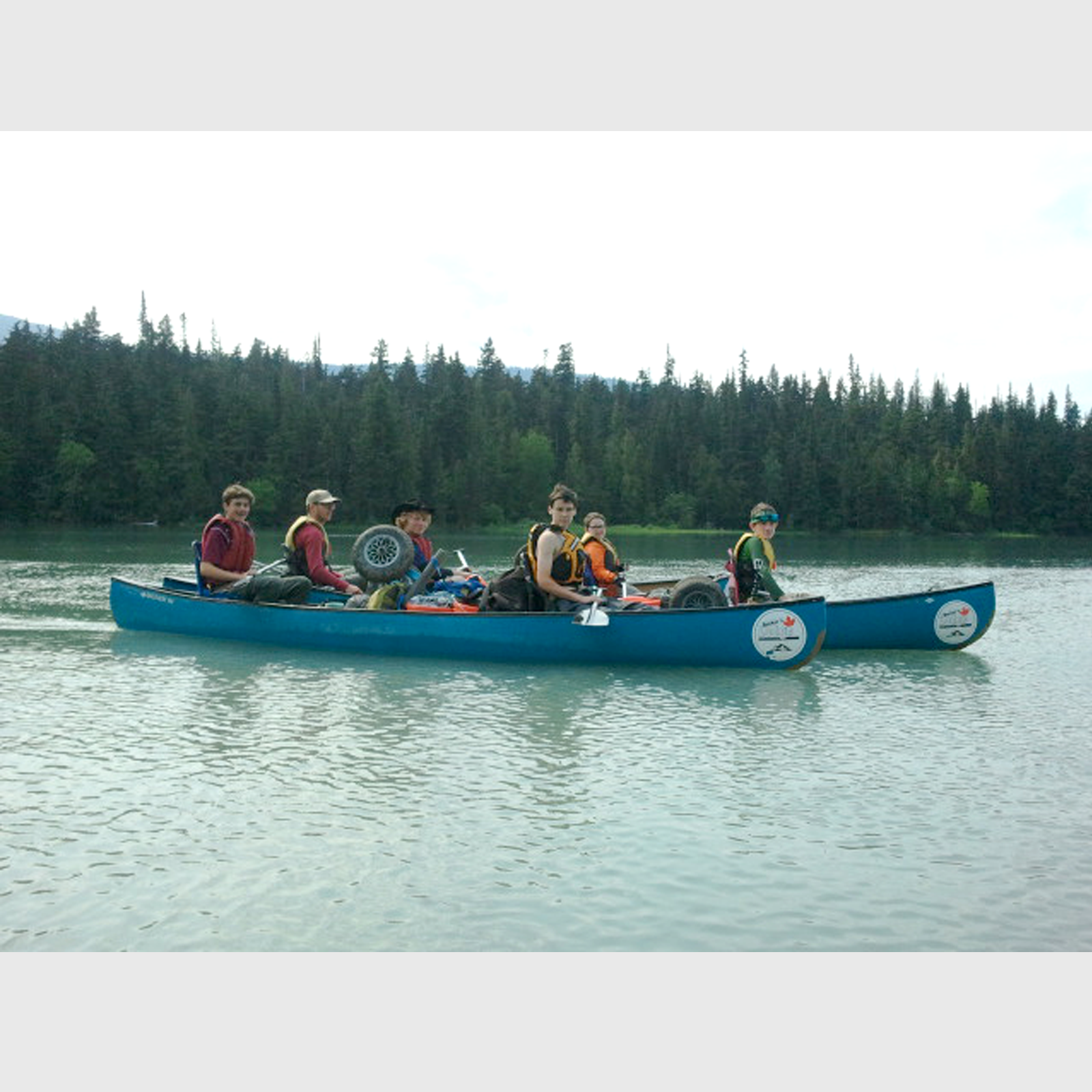 Troop327_Bowron_2canoes