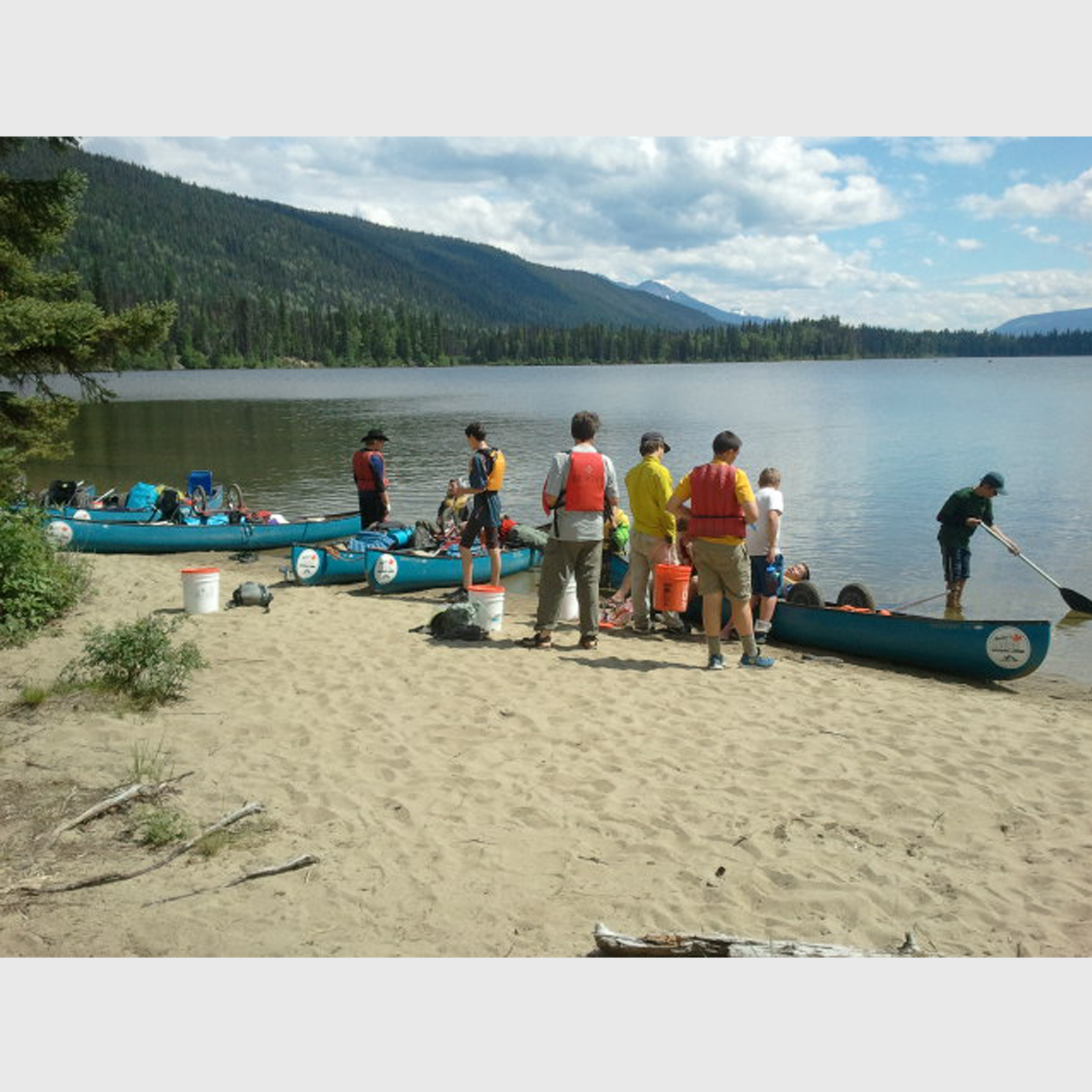 Troop327_Bowron_canoes
